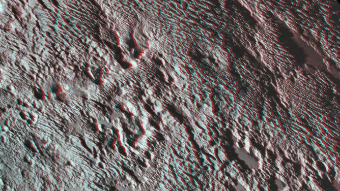Pluton na wyciągnięcie ręki. <br />Jego pierwsze zdjęcie w 3D