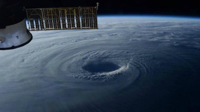 Zginęło sześć osób. Tajfun Lan przetoczył się przez Japonię