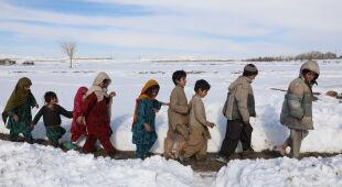Śnieg zalega w Pakistanie, Afganistanie i Indiach (PAP/EPA)